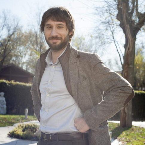 Actor Raul Fernandez